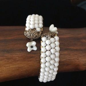 💟White Woven Milk Glass Bead Bracelet 💟